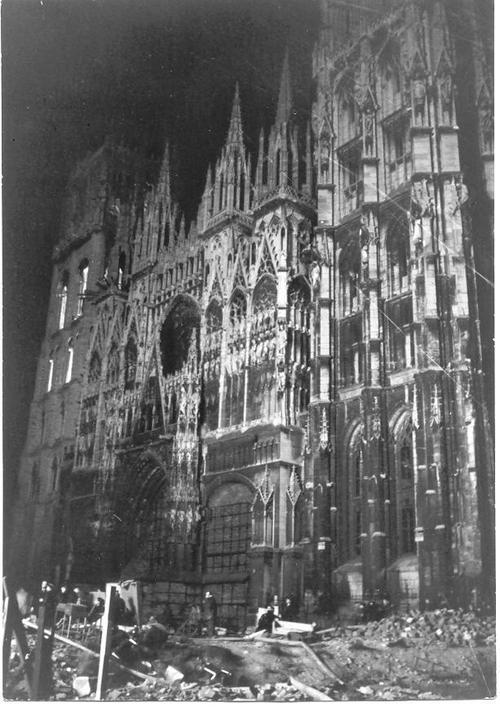 Cathedraleenfeu_2